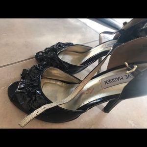 Steve Madden flower black heels